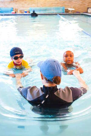 Little fishes swimming school bedfordview jozikids for Little fishes swim school