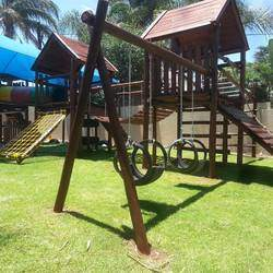 Jungle Gym King - We build, maintain and repair Wooden Jungle Gyms, Wendy Houses, Climbing Walls, Thatched shades, Guard Huts and more.