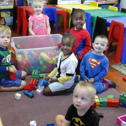 The Lollipop Tree Play School - Small homely educational playgroup for toddlers established in 1996 by a qualified nurse. For children aged 18 months to 4 years.