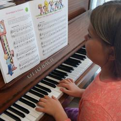Con Brio School of Music - Piano and music theory lessons for ages 7yr to adult.