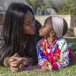 Jozi's Photography - For lasting memories in photo's for the whole family from newborn, baby and kids in studio or on location, parties and many more.