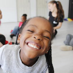 Buzzeez drama, singing and dance workshops - Drama, Dance and Singing workshops for kidz 3-5 years old. Building confidence, original music, high energy fun!