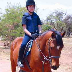 Carynton Stables - Horse riding lessons, stabling or half or full baiting horses