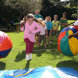 Clamber Club Parties - Gauteng - Active and energetic obstacle course birthday party entertainment in the comfort of your home or at our party venue for 1-10yr olds.