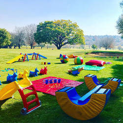 Clamber Club Parties Fourways - Active and energetic obstacle course birthday party entertainment. Party Venue Clamber Club is an extensive and exciting sensory motor programme that gets children moving!