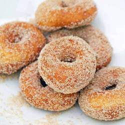 Deliteful Donuts  - Party hire - mini doughnuts(mobile unit) with tantalizing toppings of chocolate, caramel, sprinkles or traditional cinnamon & sugar, popcorn and slush