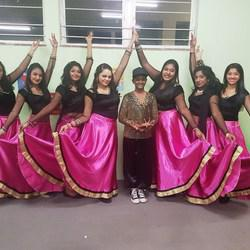 Divya Art of Dance - Bollywood Dance Group & Private classes for Kiddies, teens & Adults, Male & Female welcome Entertainment & Interactive sessions for all occasions