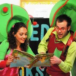 Hooked on Books - Hooked on Books with Wiggle & Woggly! Educational Interactive Theatre for Pre-Schools