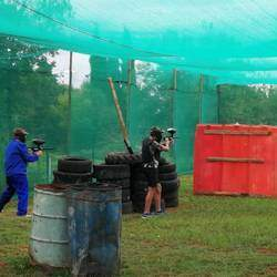 Farmstyle paintball - Awesome paintball venue for parties, games, teambuilding activities and guaranteed loads of fun!