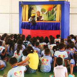 Happy Times - Party entertainment - from fun educational puppet theatre, magic, face-painting, balloons sculpture, stilt walkers, juggling & jumping castles