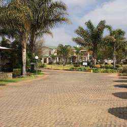 Hole in One Guesthouse and Conference Centre - Accommodation, Conferences, Private Functions, Child friendly restaurant, Kiddies Parties, Weddings