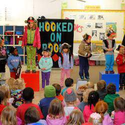 Hooked on Books - Hooked on Books  Pre-School Shows and Birthday Parties