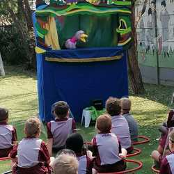 Spellbound Puppets - Book now! Great interactive shows for birthday parties, schools; holiday programmes; or organize a social responsibility event for your company. Careful compliance regarding Covid-19 regulations. Online option: choose from thirty super online shows!