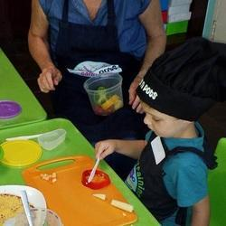Tots n Pots Randburg - Tots n Pots Randburg offers exciting cooking and baking classes for kids.  Here they learn skills such as fine motor development, teamwork and percept