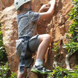 Offwidth - Rock & wall climbing coaching & guided climbs.