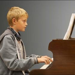 Amy Calf Music Studio - Music Lessons for kids and adults in the convenience of your own home or at our studio in Bromhof..