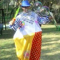 Awesome parties! - Awesome party packages that include Balloons! Magic! Facepaint! Monster bubbles! (Ook in Afrikaans)