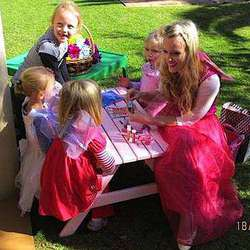 Mad Hatter Children's Parties - Fantastic party entertainer and games service. We come to you! We provide all dress-up costumes for girls and boys, games and all prizes are included!