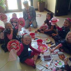 M&D Productions - Entertainment for kids parties. Puppet show and puppet making.