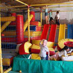 Mcmoos Party Farmyard - Party venue with tractor rides, jumping castles, jungle gym and train rides, trampoline, farmyard and duck pond, water slides face panting