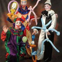 Miles of Smiles Entertainment - balloons facepainting airbrush glitter tattoos popcorn candyfloss fairies stilts puppets magic mimes clowns dance  jumping castles disco