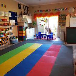 Moms & Tots Ruimsig/Roodekrans/Roodepoort - A fun and stimulating programme suitable for toddlers aged from 1 years. An age appropriate programme developed for toddlers to enhance co-ordination & perceptual skills, encourage the love of learning and to enrich relationship between mom & child.