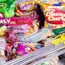 MunchTime - The Lunch Time Hero - Pre-Packed Lunch Boxes filled with a variety of awesome well known branded snacks.