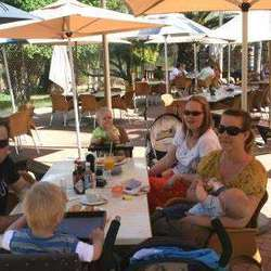 Papachinos Continental Cafes - Child friendly, family restaurants with kids pizza making & baking and play area.