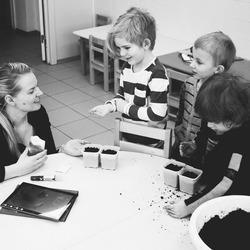 Certified Au Pairs - SETA accredited training. Receive a qualification and learn how to be the best Au Pair locally and Internationally.