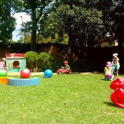 Piglet's Playgroup - A nurturing, exclusive preschool where your child learns through play, 08h00-17h00, 18 months - 5 years.