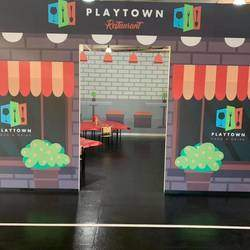 Play Town - A ± 2300m2 indoor play area for kids, with fun activities for all. Safe environment for children, where they can play creatively. Restaurant on site