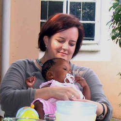 Rainbow Adoption Group - Adoption network for adoptive parents and kids from transracial families, single parent, gay parents or any other family with adopted children.