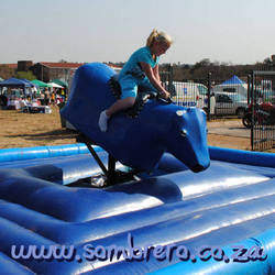 Sombrero Entertainment - Clowns, Face Painters, Stilt Walkers, Magicians , Jumping Castles, Popcorn Machines, Candy Floss, Carousels,  Petting Zoos,  Themed Parties