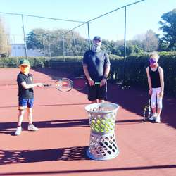 Sue Rollinson Tennis Academy - Professional Tennis Coaching to all ages. Venues: Pirates Tennis Club Greenside and Grayston Prep