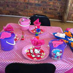 The Barnyard Kids Parties - Kids party venue, childrens birthday parties, school outings, Tractor rides, animal zoo