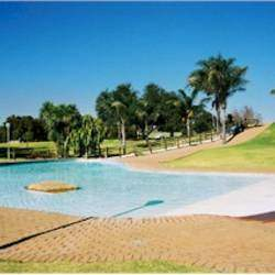 Zitapark Paddling Pool - Public swimming pool offering swimming lessons, kiddies paddle pool, play park with a picnic area.