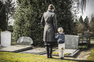 Credit:https://baldwincremations.turnthepage-onlinemarketing.com/four-ways-you-can-prepare-your-child-for-a-funeral/