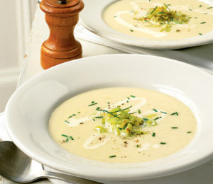 Super Simple Leek & Potato Soup