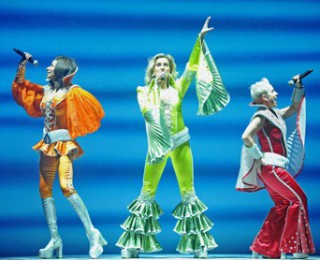 Mamma Mia ! Theatre Review