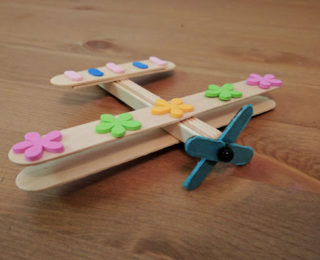 DIY Kids : Make an ice cream stick aeroplane