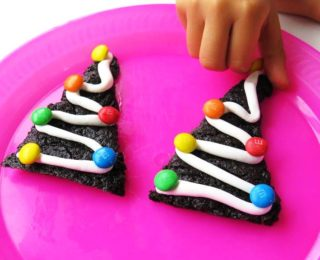 Baking activity: DIY Xmas tree brownies