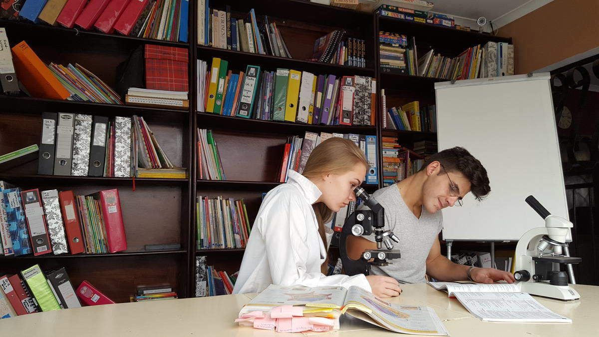 students studying science