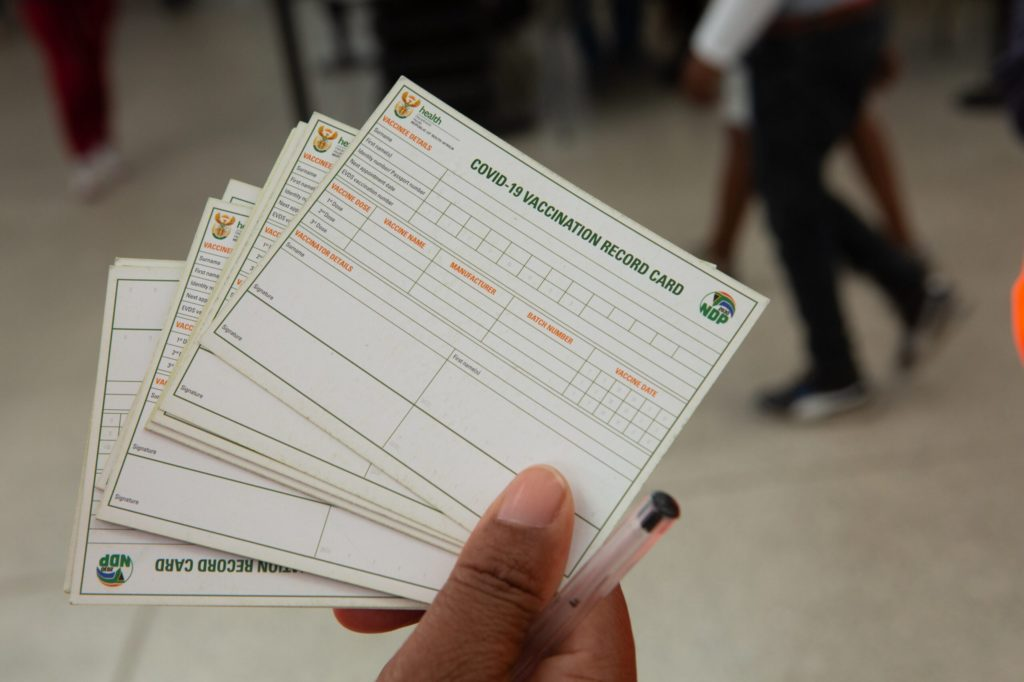 vaccination certificate and record card
